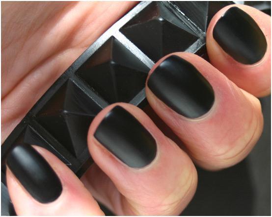 Matte-Black-Nail-Polish-2