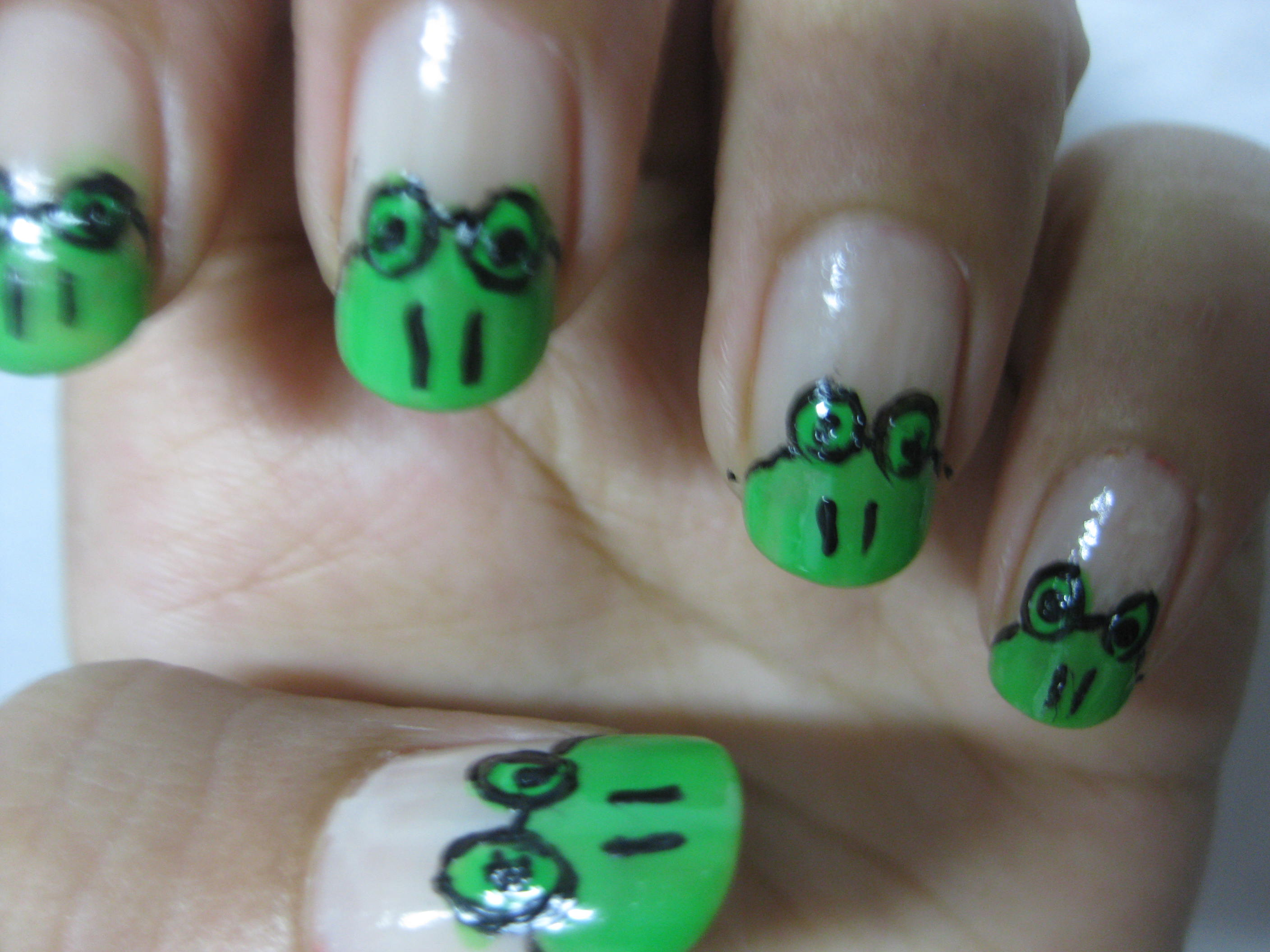 31 Day Nail Art Challenge: Frog nail art | Gone Trendy